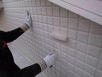 習志野市|外壁塗装も大詰めに入りました、下塗りから中塗り