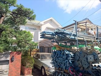 いいお天気ですが高圧洗浄しちゃいます、千葉市の塗装工事