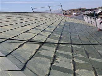 千葉市の屋根外壁塗装工事、クラック補修と養生作業を着手