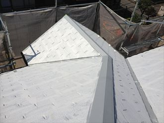 屋根塗装,下塗り,ベスコロフィラーHG