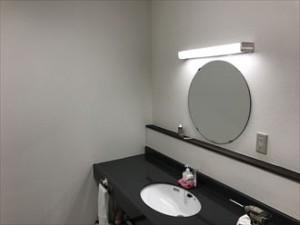 木更津市で工場の外壁塗装、その後の内装工事でトイレを改修