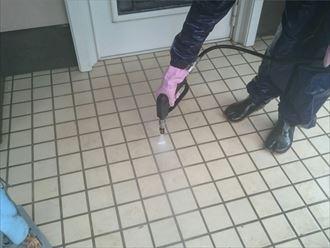 玄関タイル高圧洗浄