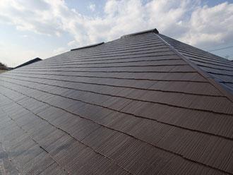 新提案、モルタル外壁をガルバリウムの煉瓦柄サイディングで外壁カバー工事、とんがり屋根はIG工業ガルテクトシェイドブルーで葺き替え、イメージチェンジと高機能を同時にGET!