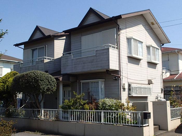 コ店を外壁塗装と屋根カバー工法、さらに防水工事で大改修