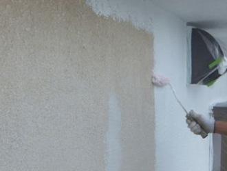 横浜市青葉区 ナノコンポジットWで外壁塗装 下塗り