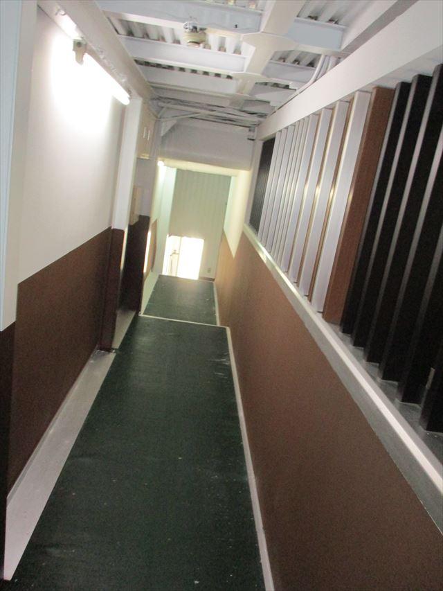 大阪市淀川区で事務所内リニューアル塗装工事を行いました。