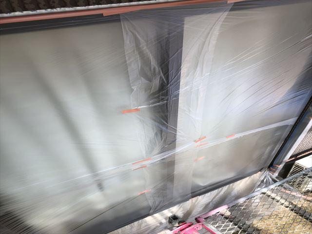 大分市寒田にてミサワハウスの建物、本日の作業は、ビニール養生作業と縁切り材取り付けを行いました。
