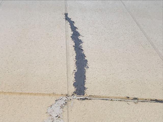 春日井市押沢台で外壁にひび割れがいっぱい、外壁塗装見積り依頼です