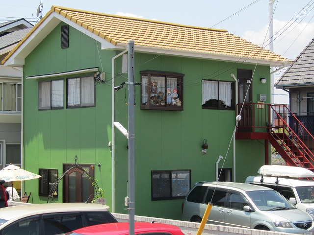 倉敷市田ノ上新町 屋根外壁シリコン塗装 塗り替え後は可愛いイメージ