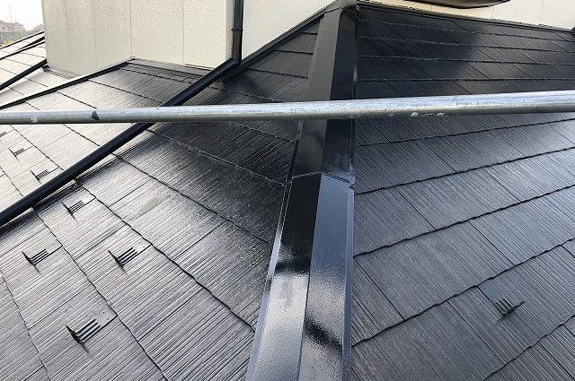 亘理町で火災保険を使いコロニアル屋根隅棟板金の交換工事を行いました