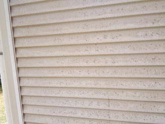 雨戸の塗膜の劣化