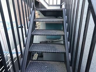 鉄部階段塗装前