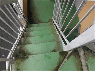 鉄骨階段塗装前