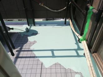 床面にウレタン防水1層目