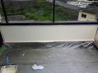 バルコニーの棟壁、塗装完了