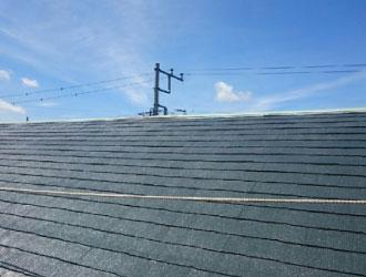 上塗りが完了した屋根